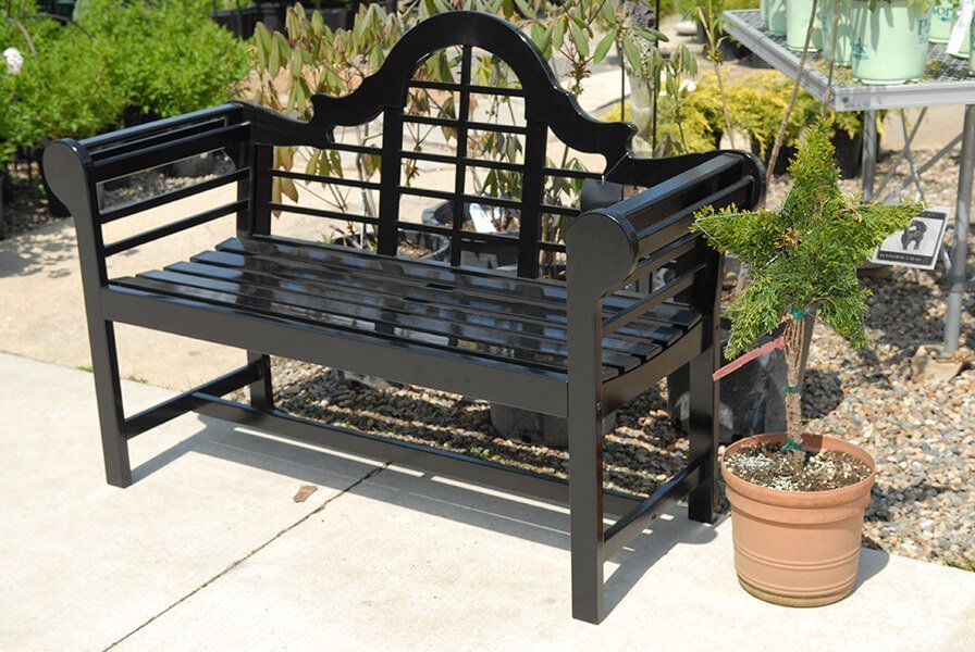Outdoor Patio and Bench Landscaping