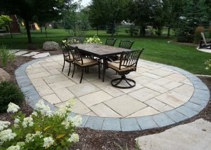 Outdoor Dining Stone Patio