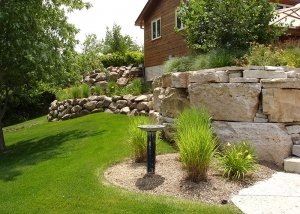 Large Boulders Retaining Wall Backyard Landscaping