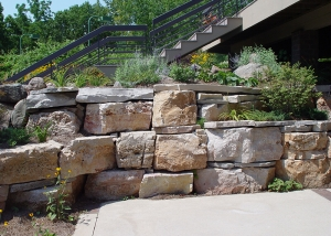 Large Boulders Retaining Wall